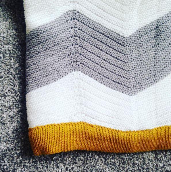 Mamas and Papas knitteed blanket