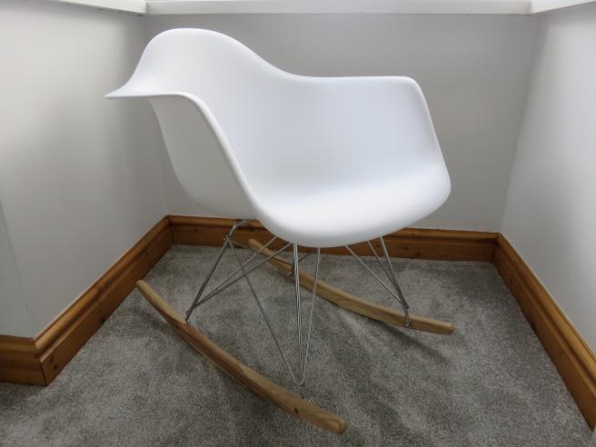 replica-eames-rar-rocking-chair