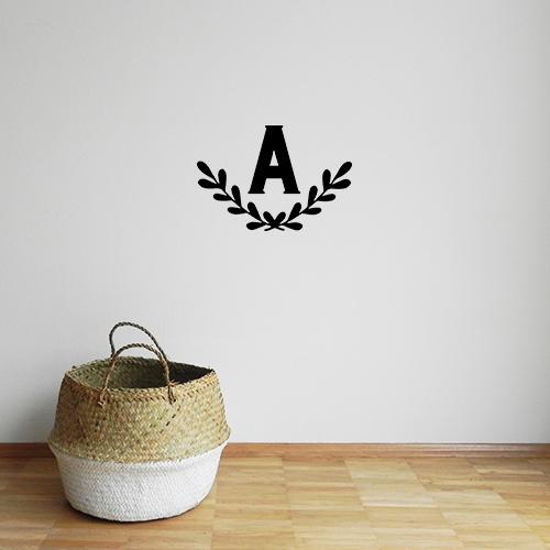 big-monogram-wreath-black
