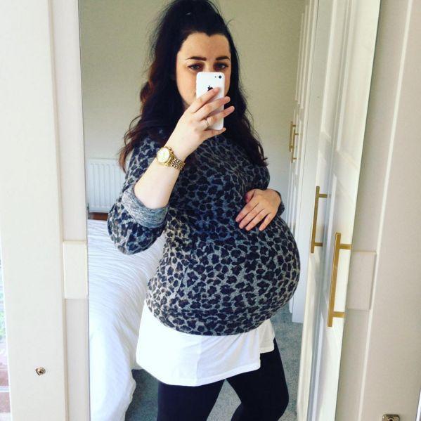 maternity-selfie